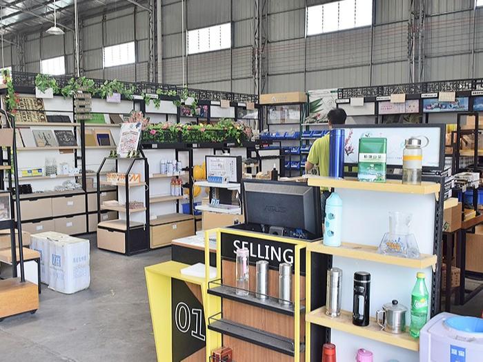 至丽设备-材料配件仓库